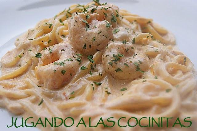 Jugando a las cocinitas espagueti con gambas en salsa melosa - Espaguetis con gambas y champinones ...