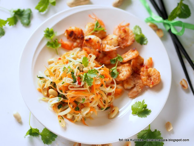 salatka owocowo warzywna z krewetkami, owoce morza, afrodyzjaki, food pairing, jedzenie w sluzbie milosci, warsztaty kulinarne, milosc