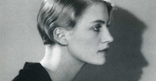 "Stylish Read: ""Lee Miller in Fashion"""