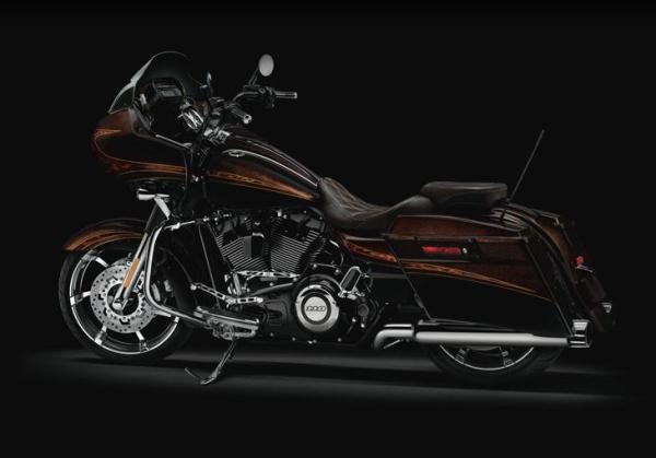 SEXY SPORT BIKE: 2012 Harley-Davidson CVO Road Glide Custom FLTRXSE