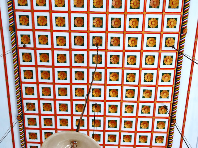 Muziris Water Tour - The colorful ceiling of the Chendamangalam Synagogue