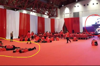 "Kader PDIP Ditegur karena Pada ""Ngagoler"" di Karpet saat Megawati Pidato"