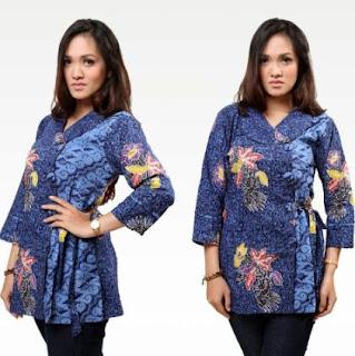 Model kemeja wanita kombinasi batik untuk kerja