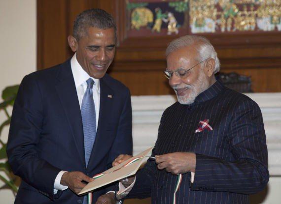 تعرفوا على سر دخول بدلة الرئيس الهندي موسوعة الأرقام القياسية.. هل تستحق البدلة كل هذا الاهتمام؟