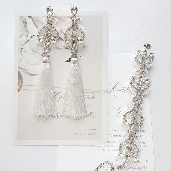 Biały komplet ślubny z chwostami.