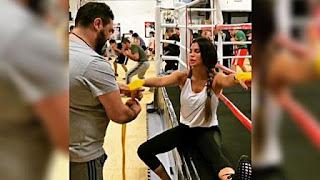 Claudia Galanti nuova vita, fra boxe e cure di bellezza