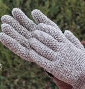 http://lanasyovillos.com/accesorios/guantes