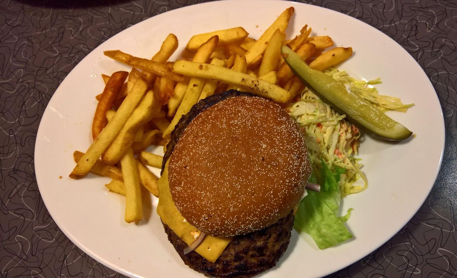 Jyväskylän paras hampurilainen testi mallaspulla classic american diner