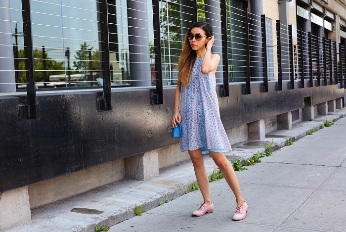 Rebecca Taylor Amanda Floral Print Silk Swing Dress, swarovski amazing sunglasses, valentino lock bag,  Caterpillar Casual Reegan, floral swing dress, summer essential, nyc street style