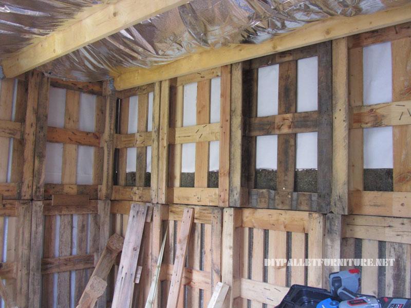 Estructura de bungalow hecha con palets - Estructuras con palets ...