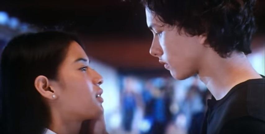 Film-film Indonesia dengan Adegan Ciuman Bibir Terindah