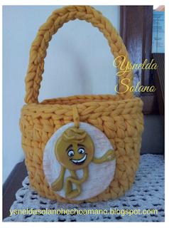 http://ysneldasolanohechoamano.blogspot.com.es/2017/09/ideas-para-fiestas-con-emojis.html