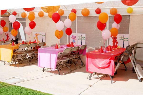 We Had 3 Types Of Themed Tables Elmo Theme Abby And Zoe Each Its Own Color Scheme Polka Dot Punch