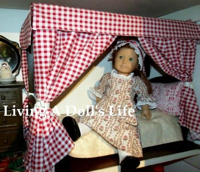 http://livingadollslife.blogspot.com/2012/10/building-4-poster-doll-bed.html