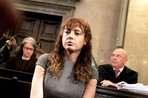 Nữ sát thủ nguy hiểm đến mức buộc phải nhốt chung với tù nam