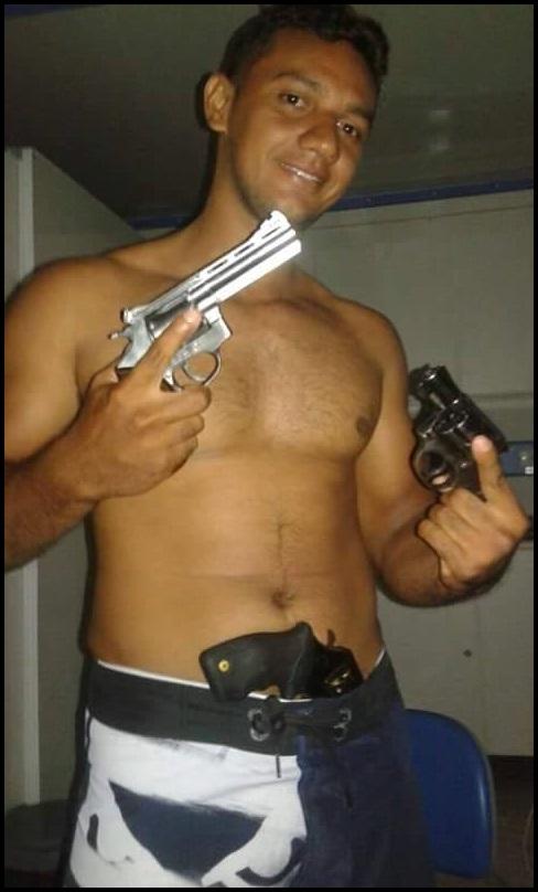 Igor de Araújo Lima, acusado de ter deferido os tiros que mataram.  Thalyson. Foto  reprodução do d7e37c212e
