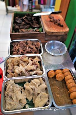 SOTO KUNING KHAS BOGOR di Pasar 8 Alam Sutera, vindex tengker
