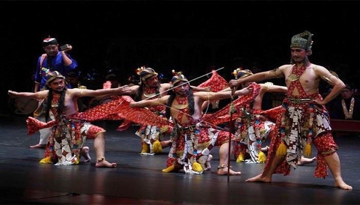 Tari Beksan Lawung Ageng, Tarian Tradisional Dari Yogyakarta