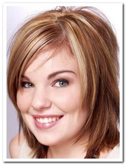 Model Rambut Layer untuk Wajah Bulat