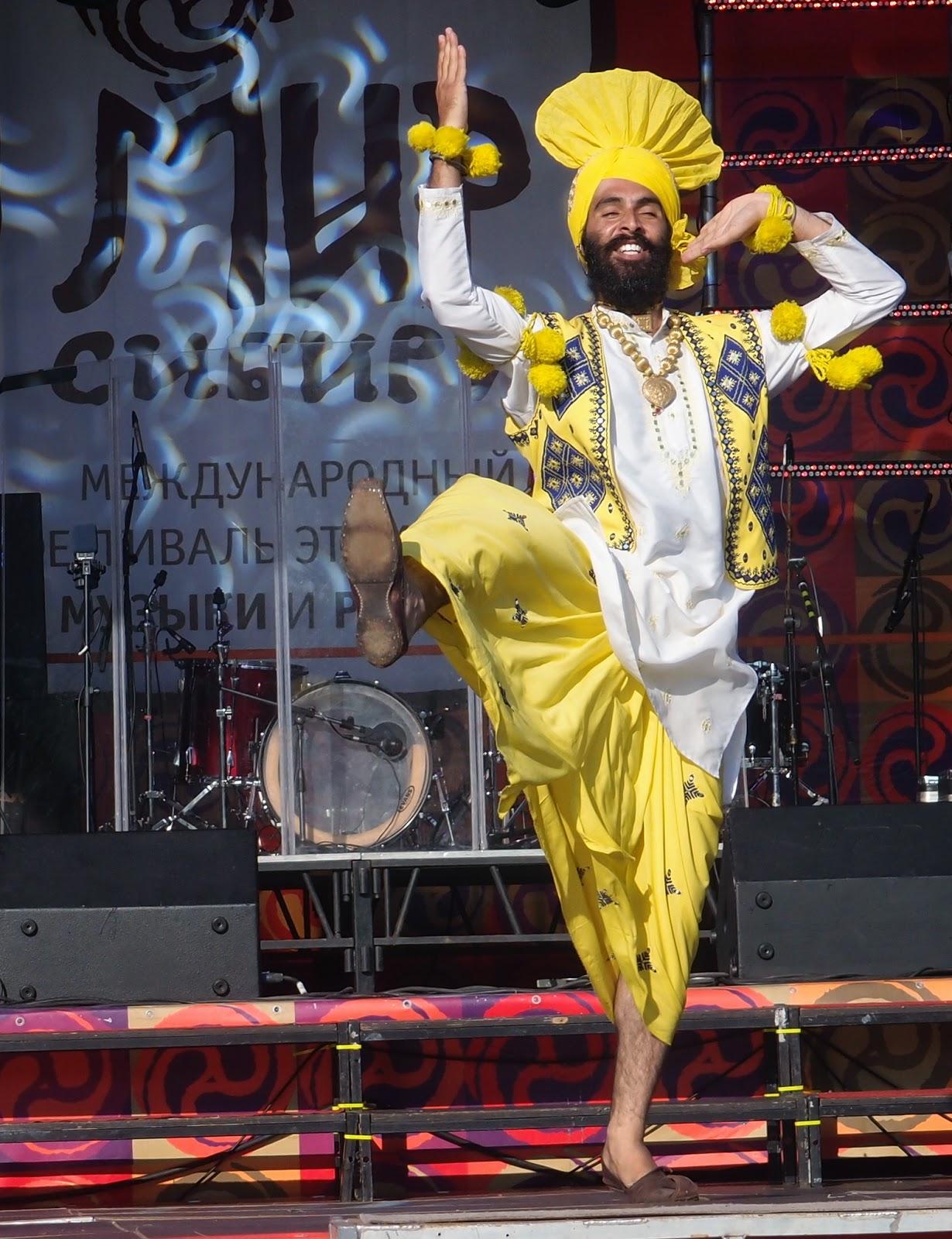 Mir Sibirin tanssija