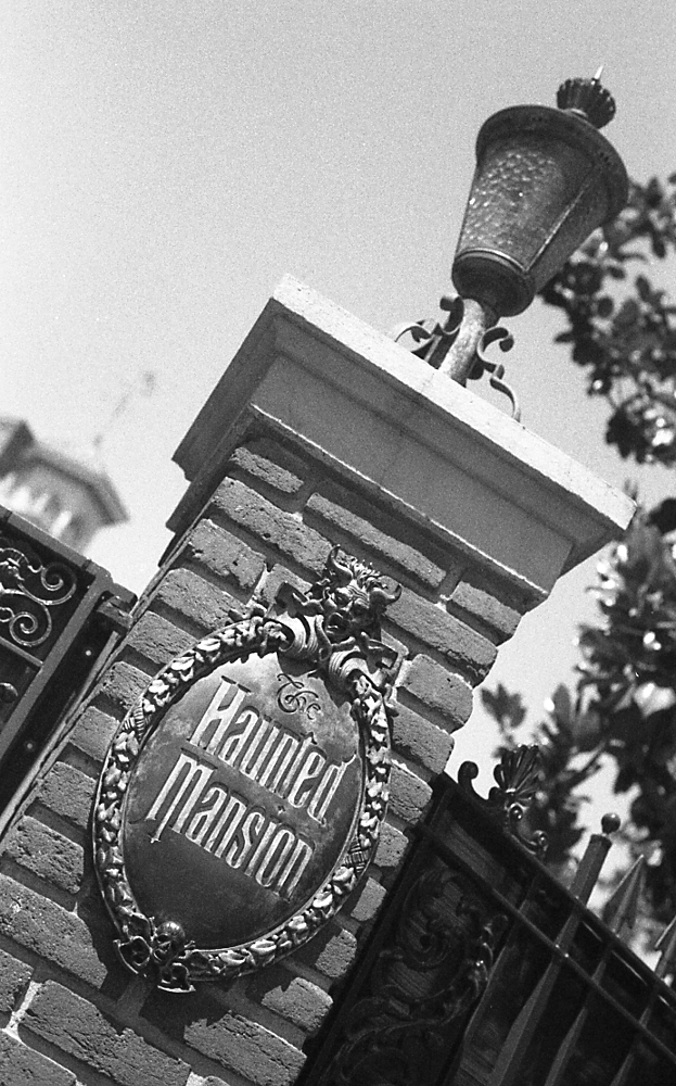 To share some film photographs of the mansion that ive taken over the years as well as a few links to historical resources regarding the imagineering