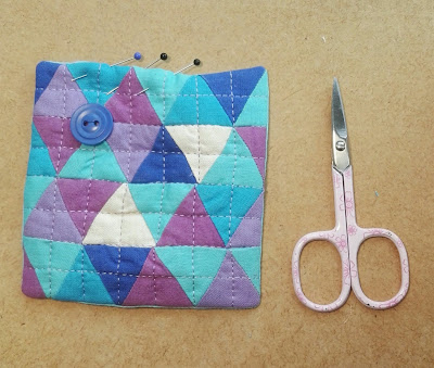 Nadelkissen, equilateral Triangles, Quilt