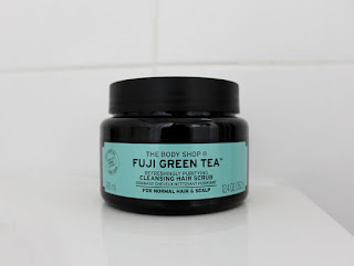 Clothes & Dreams: The benefits of hair scrubbing: The Body Shop's Fuji Green Tea Refreshingly Purifying Cleansing Hair Scrub