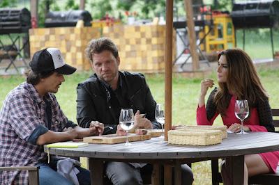 Na foto: Jurados falam com Ticiana em prova final. Crédito: Gabriel Gabe/SBT