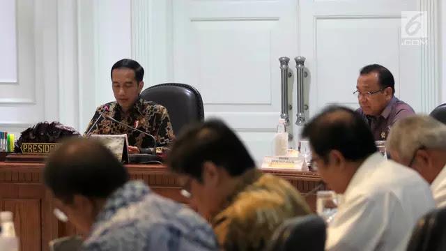 Rupiah Terperosok ke Level Rp 14.816, Jokowi Kumpulkan Menteri di Istana