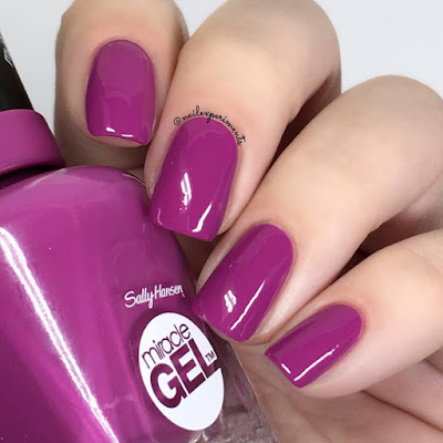Sally Hansen Miracle Gel Lilac Insomniac swatch Travel in Colour collection