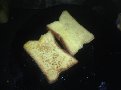 Wet breads in fry pan