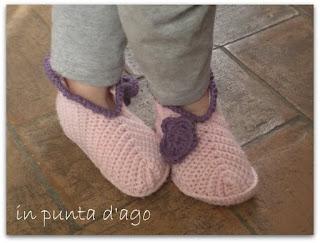 http://silviainpuntadago.blogspot.it/2012/02/piccole-babbucce.html