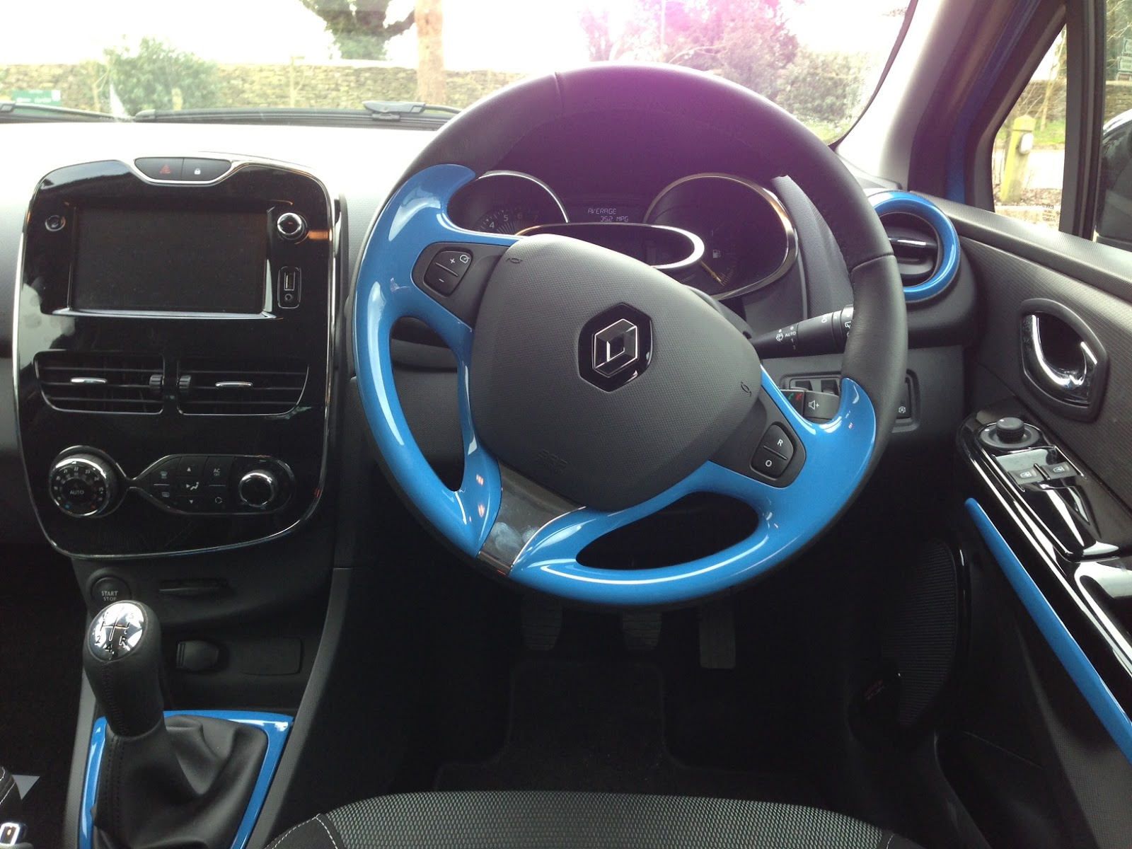 Speedmonkey: 2013 Renault Clio review