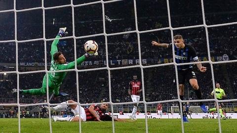Cầu thủ Nerazzurri vượt qua đại kình địch nhờ sự thiếu sót của thủ môn. Donnarumma.