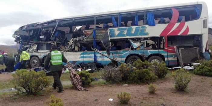 Bus Trans Azul que salió de Villazón se accidentó en el tramo Potosí - Oruro