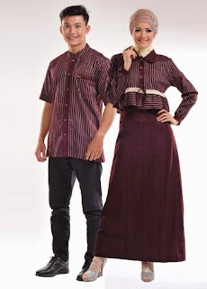 Busana muslim couple motif garis