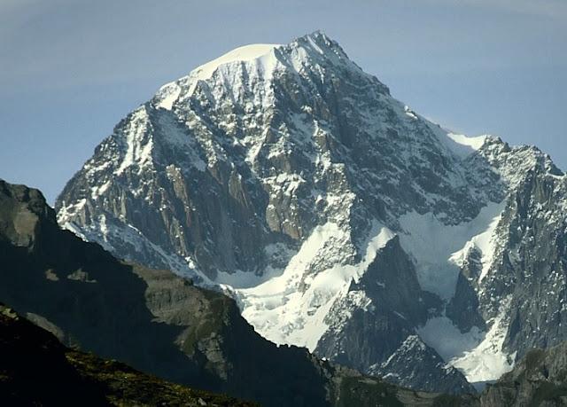 يعد جبل كورمايور مونت بلانك ثاني أعلى الجبال في إيطاليا