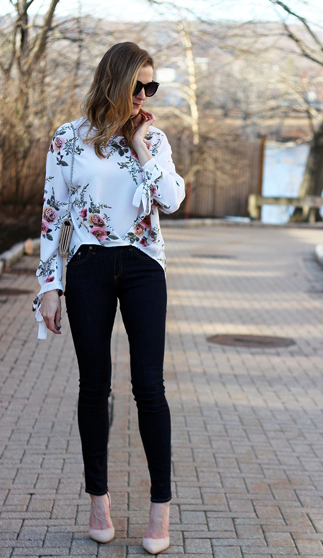 Floral Tie Sleeve Blouse #tiesleeveblouse #floraltop #springfashion