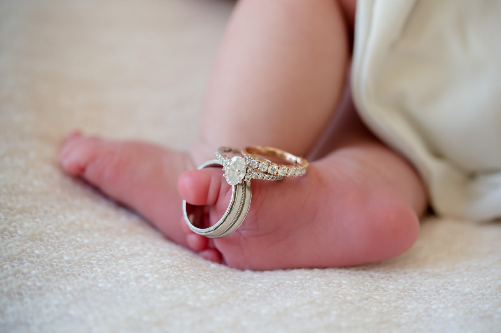 newborn baby boy rings on toes