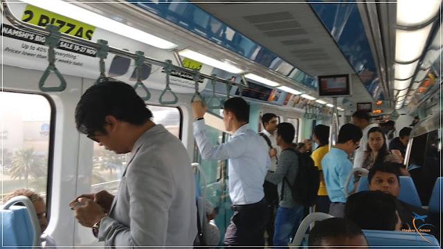 Vagão misto no Metrô de Dubai
