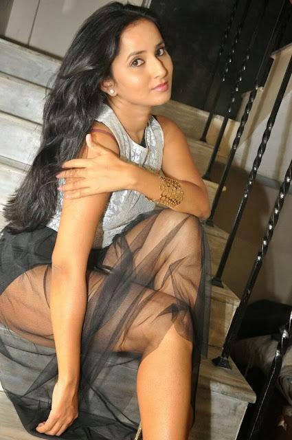 Telugu Hot actress ishika singh naked