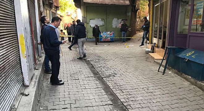 Diyarbakır Sur'da Cami Nebi Mahallesi Karaozan Sokak'ta silahlı saldırı: 1 ölü