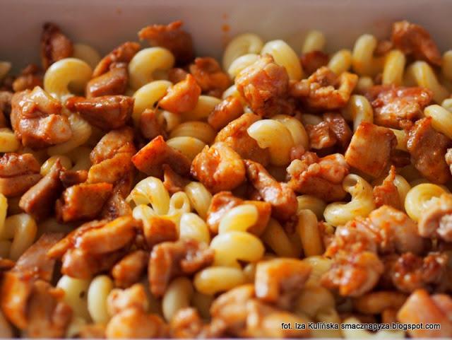 zapiekanka z makaronu, obiad z piekarnika, world pasta day, dzien makaronu,  zapiekany makaron z warzywami i kurczakiem, szybki obiad, proste zapiekane danie z makaronu