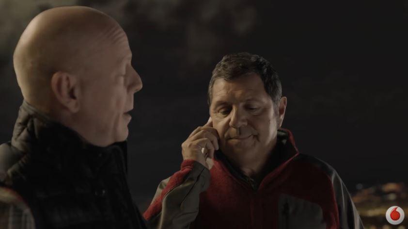Bruce Willis attore Vodafone pubblicità Christmas Card - Spot novembre e dicembre 2016