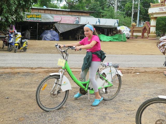 Bicicletas eléctricas en Bagán