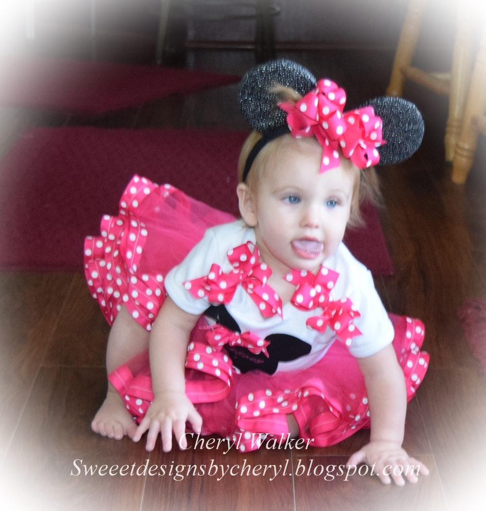 3bdcb3433 Today I wanted to share the darling Minnie Mouse Tutu and onesie outfit I  made for my darling granddaughter Chloey for her 1st birthday & for Really  ...