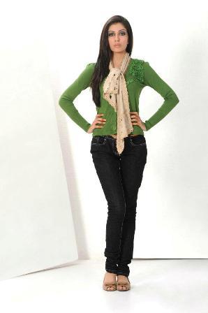 long frocks pakistani dresses mehndi designs. Black Bedroom Furniture Sets. Home Design Ideas