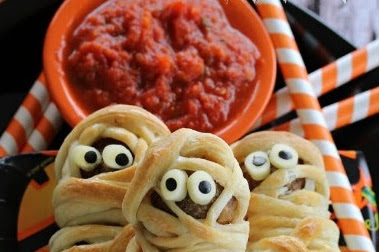 Easy Tasty Meatball Mummies For Halloween Parties