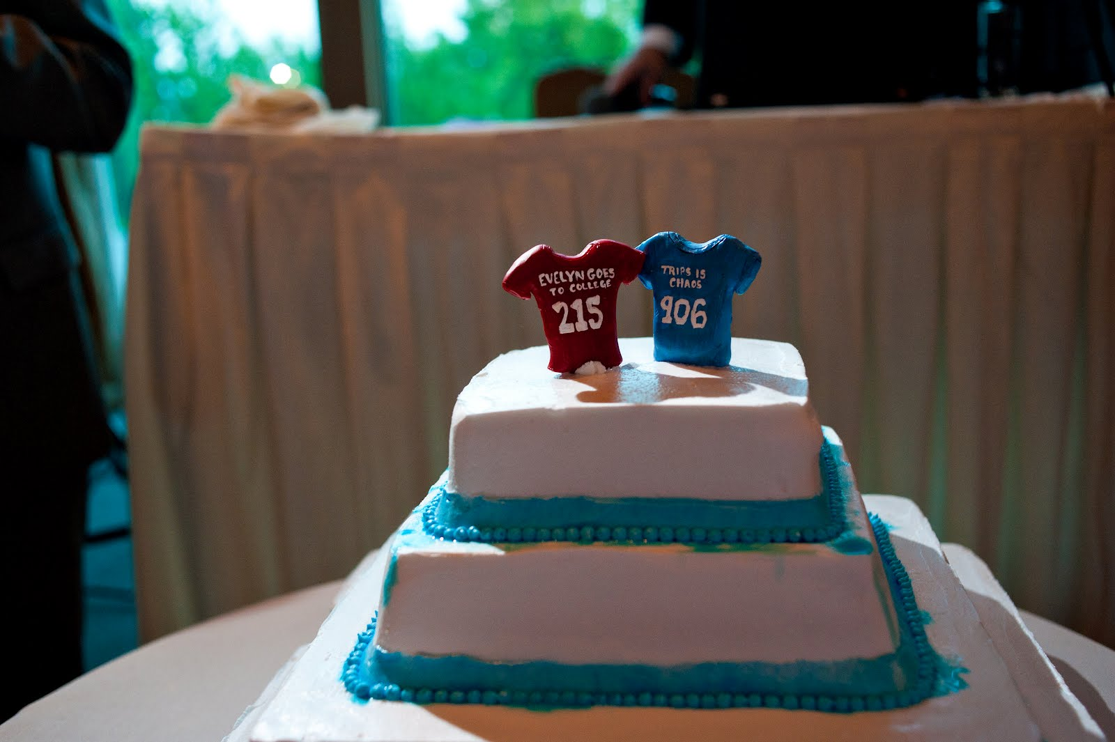 Notes From A Newlywed The Cake Carvel
