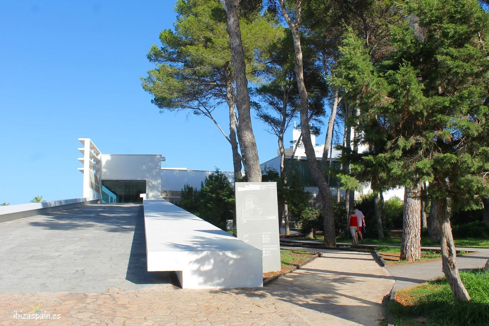 Palacio de Congresos de Ibiza en Santa Eulalia